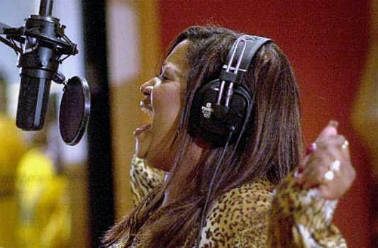 Regina McCrary recording 'Pressing On'